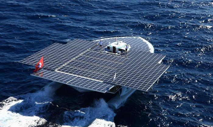 Barcos que funciona con el Sol