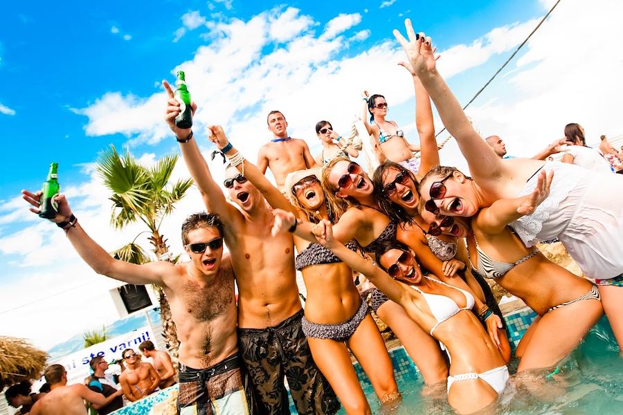 fiestas en barco en la Costa Brava 1