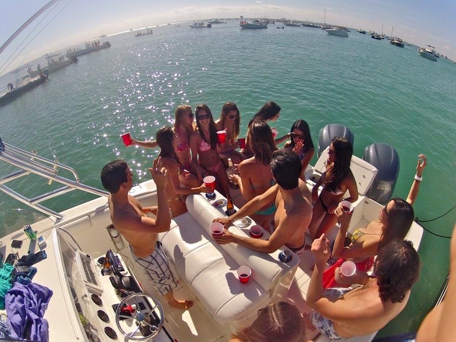 fiestas en barco en la Costa Brava 2