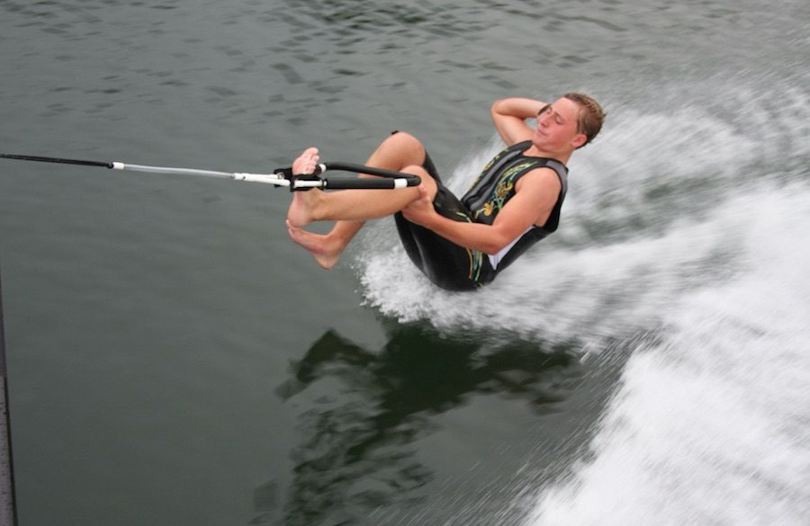 water ski barefoot 1