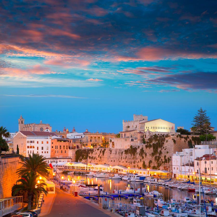 Turismo Náutico en Menorca Ciutadella Menorca marina Port sunset town hall and cathedral